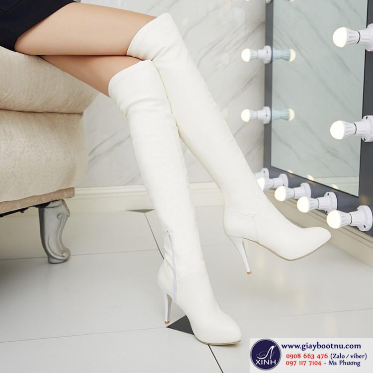 Giày boot nữ da màu trắng cổ cao trẻ trung GBN10602