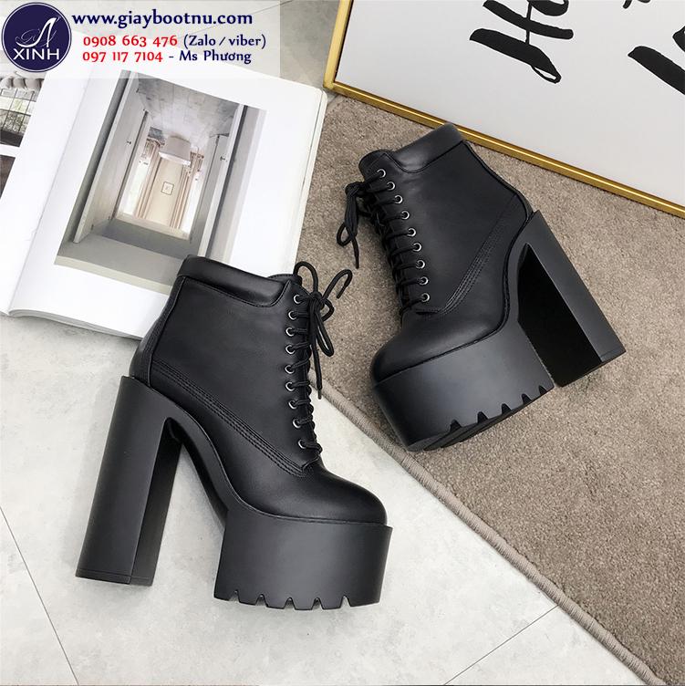 Boot nữ đế vuông tôn dáng 15cm màu đen GBN19201