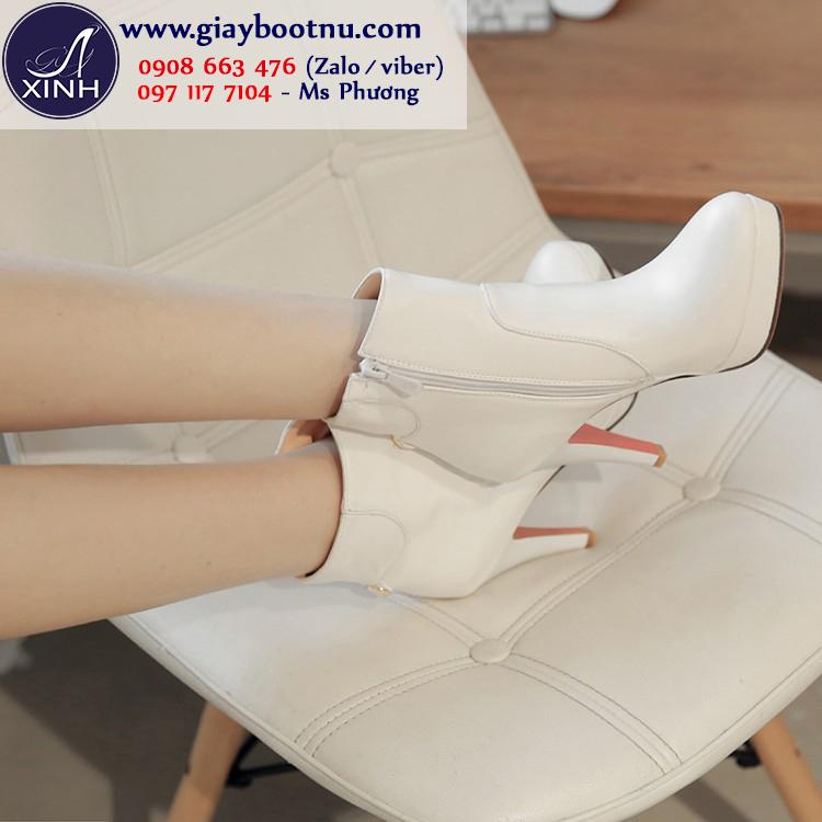 Giày boot nữ cổ ngắn màu trắng cao gót GBN195